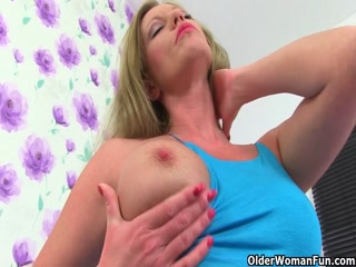 Older Ladies Putting On A Masturbation Show For The Camera