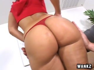 Drunna Flaunts Her Oiled Buttocks And Blows Trevor Slide