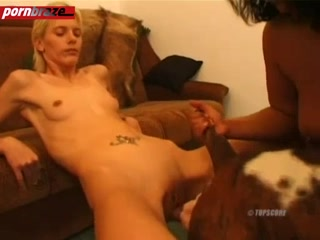 Blonde girl attractive when the groin for dog fuck